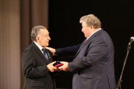 Председатель Совета директоров Группы Компаний «Оптикэнерго» Эвир Боксимер награжден Орденом Почета