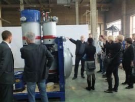 Демонстрация пработы установки вакуумной заливки
